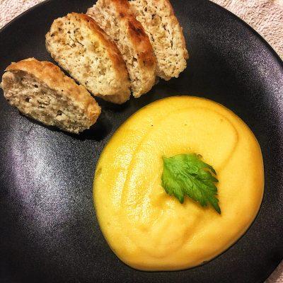 Куриные котлетки ПП с нежным овощным пюре - рецепт с фото