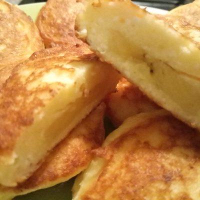 Пышные сырники с бананом без сахара и муки - рецепт с фото