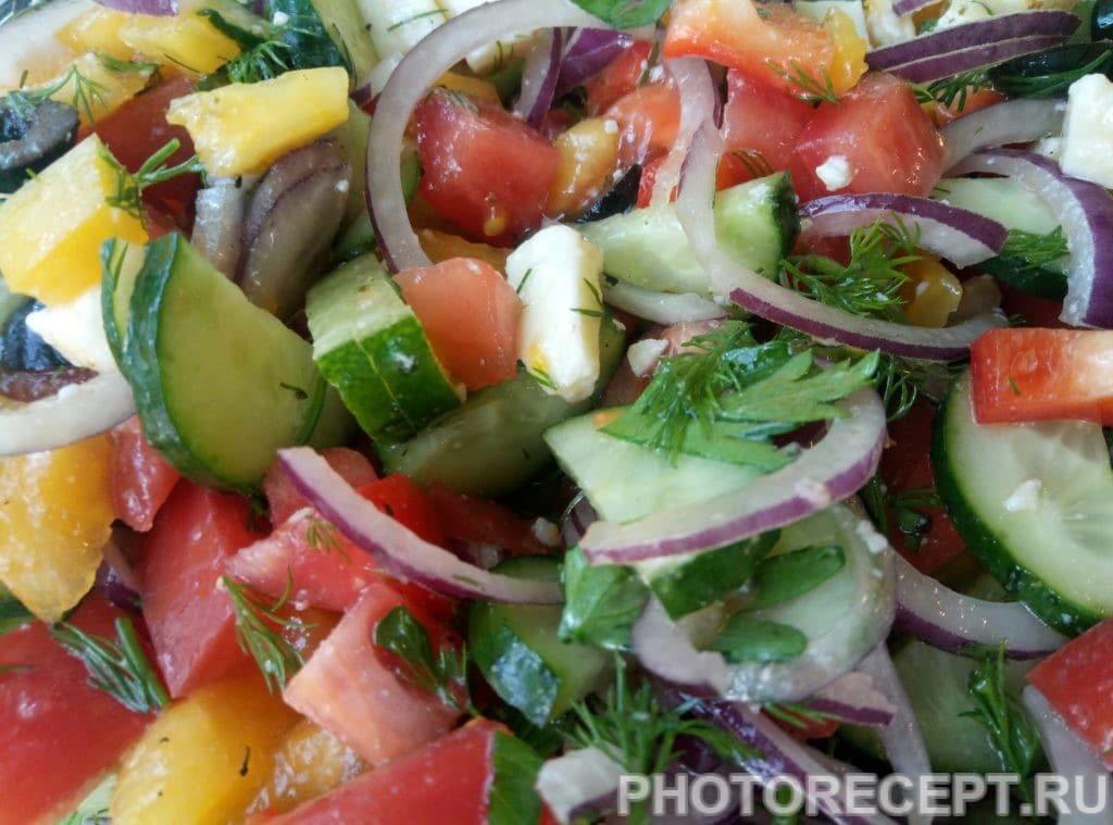Фото рецепта - Салат с адыгейским сыром - шаг 7