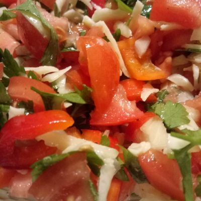 Фото рецепта - Салат с сыром, помидорами и перцем - шаг 3