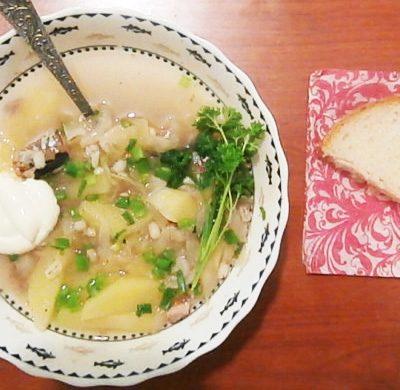 Забайкальские щи от бабушки Насти с перловкой и сайрой - рецепт с фото