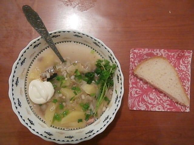 Фото рецепта - Забайкальские щи от бабушки Насти с перловкой и сайрой - шаг 6
