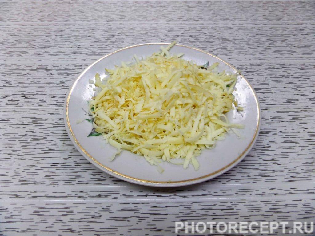 Фото рецепта - Капуста с курицей и грибами в духовке - шаг 8