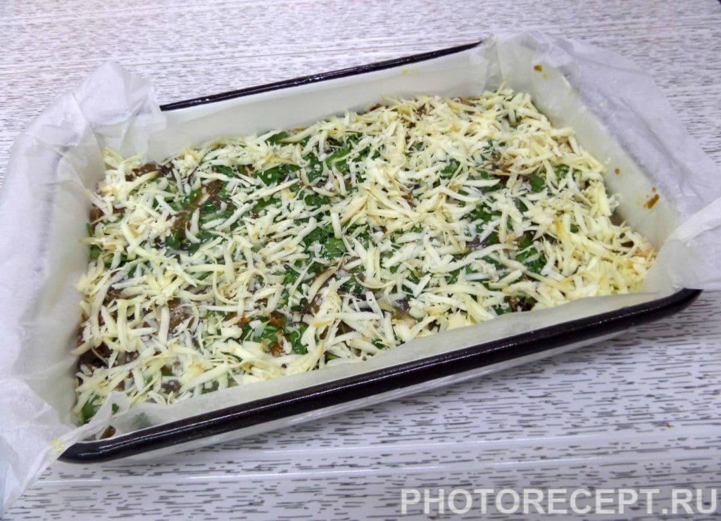 Фото рецепта - Капуста с курицей и грибами в духовке - шаг 15