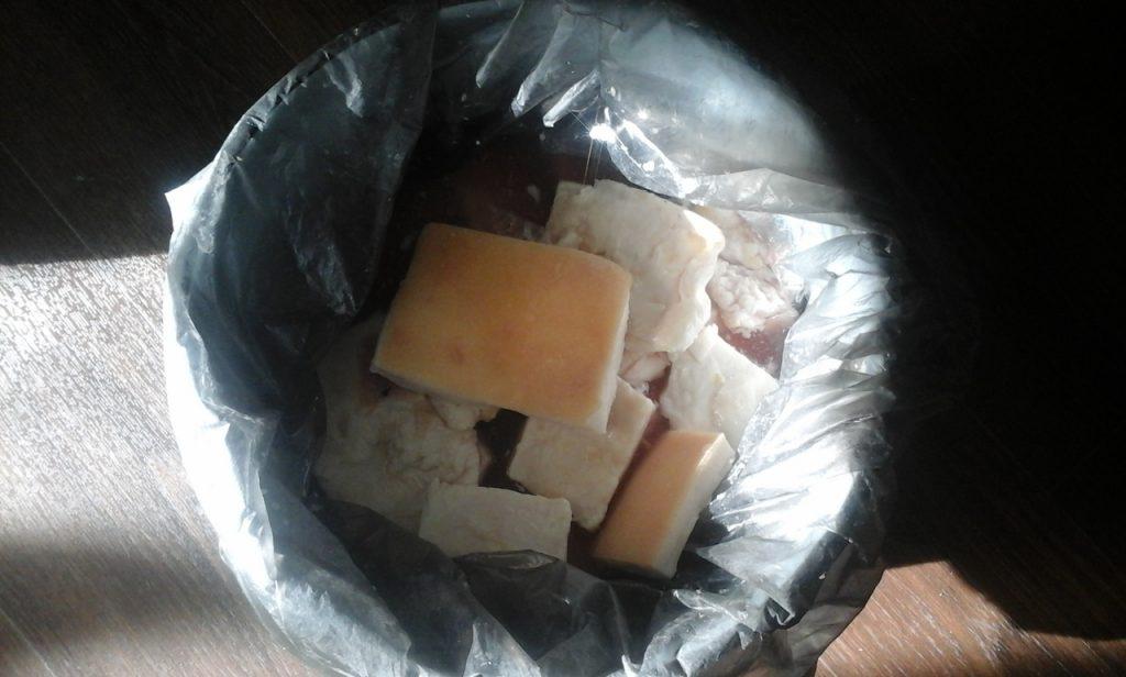 Фото рецепта - Солёное сало с чесноком «Для большой семьи» - шаг 5