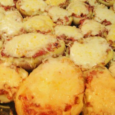 Картофельные корзинки с секретом - рецепт с фото