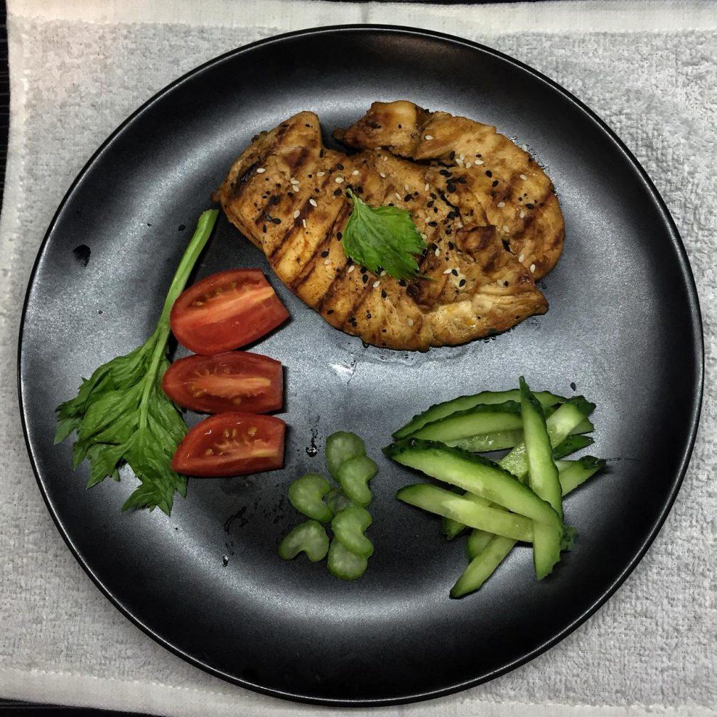 Фото рецепта - Пикантная куриная грудка - шаг 5