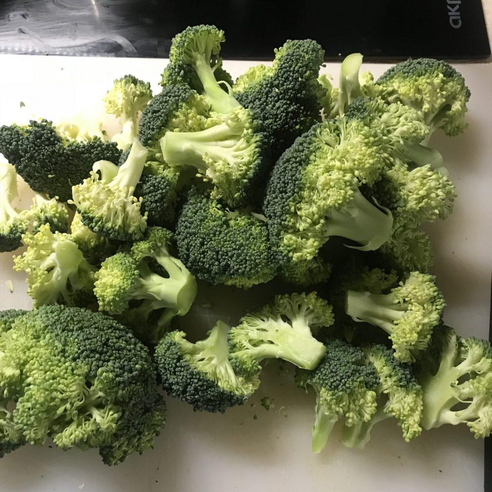 Фото рецепта - Паста с брокколи в сливочном соусе - шаг 1