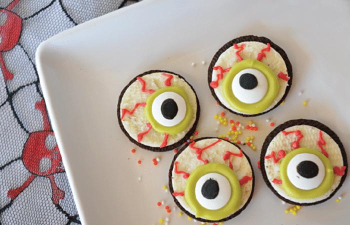 Глаза монстрика из печенья Орео