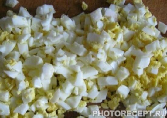 Фото рецепта - Салат с семгой - шаг 1