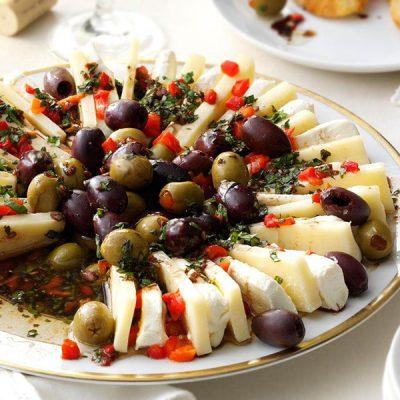 Итальянская закуска – маринованный сыр - рецепт с фото