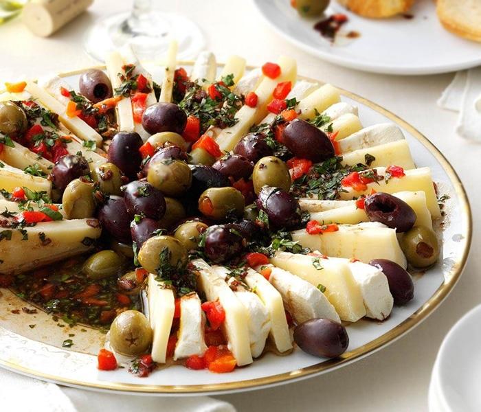Итальянская закуска – маринованный сыр
