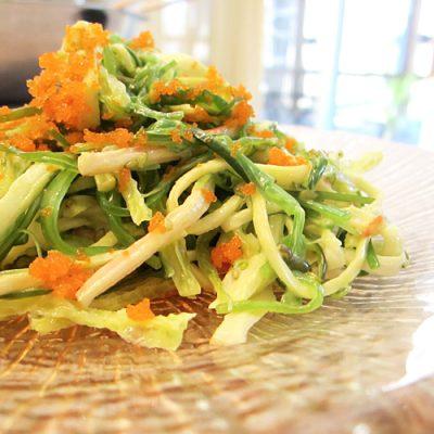 Морской салат из капусты и крабовых палочек - рецепт с фото