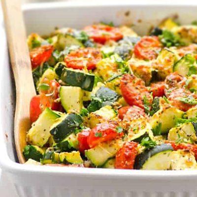 Осенний гарнир из запеченных овощей с чесноком - рецепт с фото