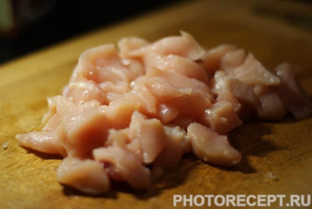 Фото рецепта - Куриное филе в соусе карри с кокосовым молоком и ананасом - шаг 5