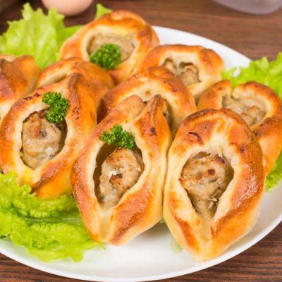 Расстегаи с фаршем (открытые пирожки) - рецепт с фото