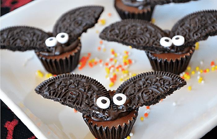 Шоколадные летучие мыши из печенья Oreo для Хэллоуина