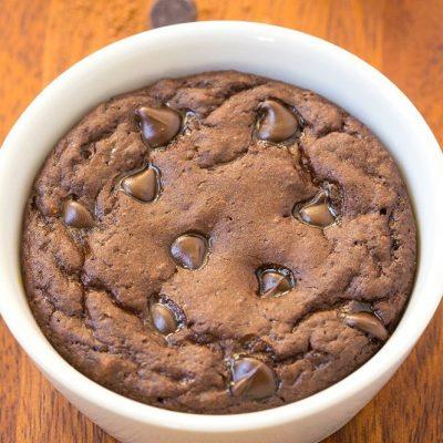 Шоколадный кекс за три минутки в СВЧ - рецепт с фото