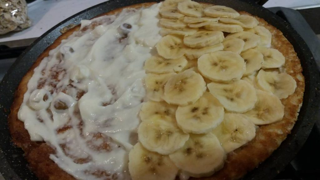 Фото рецепта - Овсяноблин с творогом и бананом - шаг 5