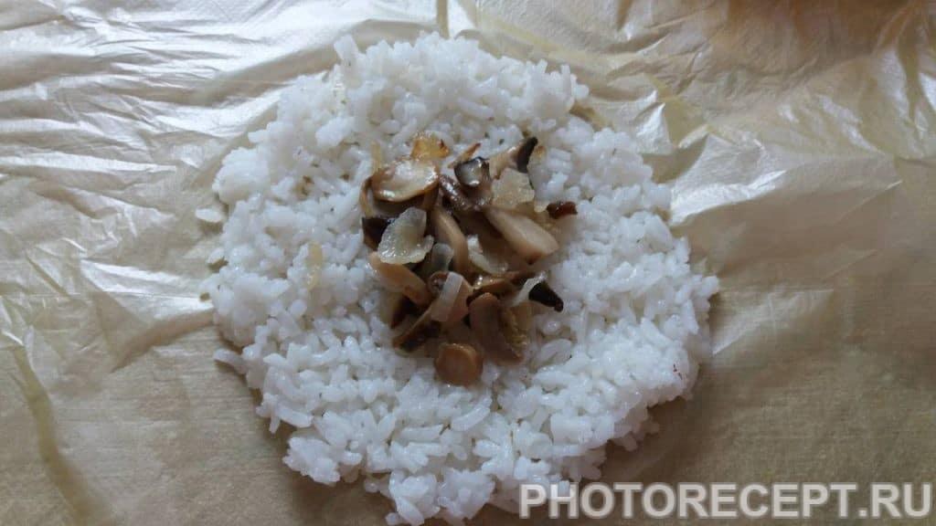 Фото рецепта - Рисовые шарики с грибами - шаг 3