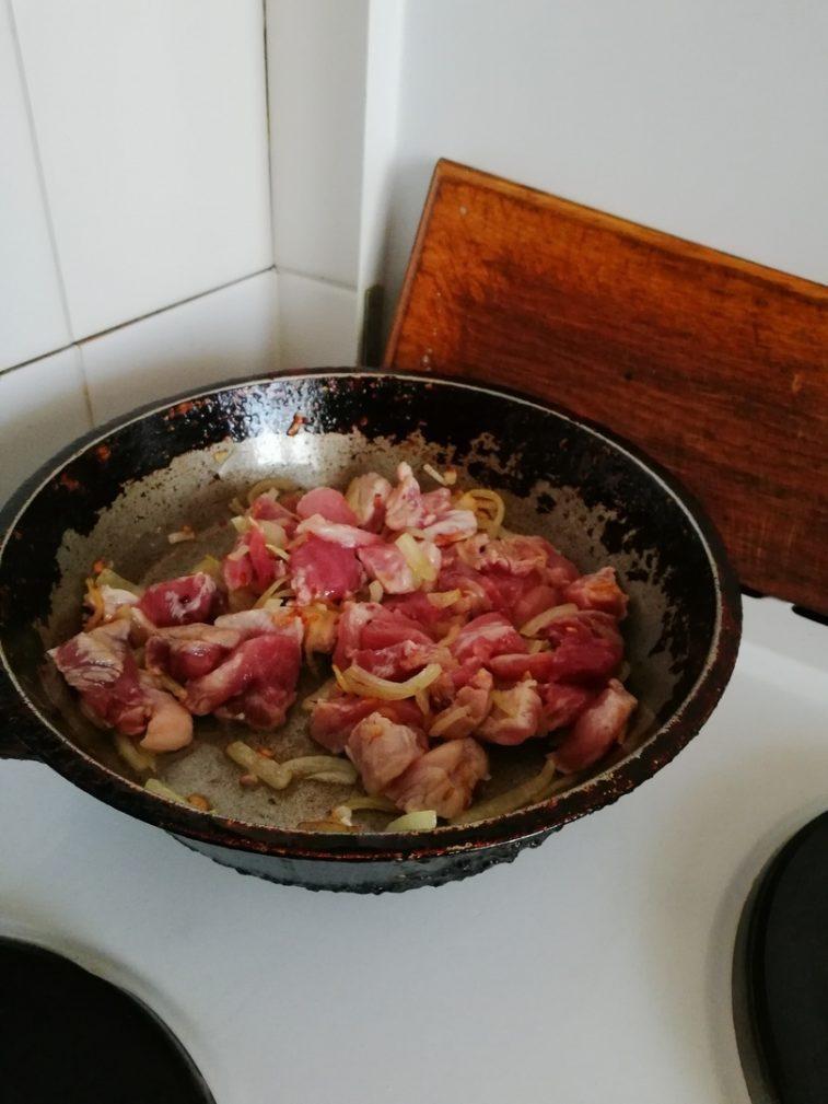Фото рецепта - Свинина с пюре - шаг 4