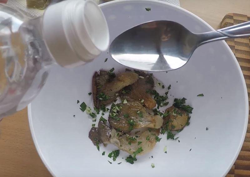 Фото рецепта - Маринованные жареные вешенки - шаг 4