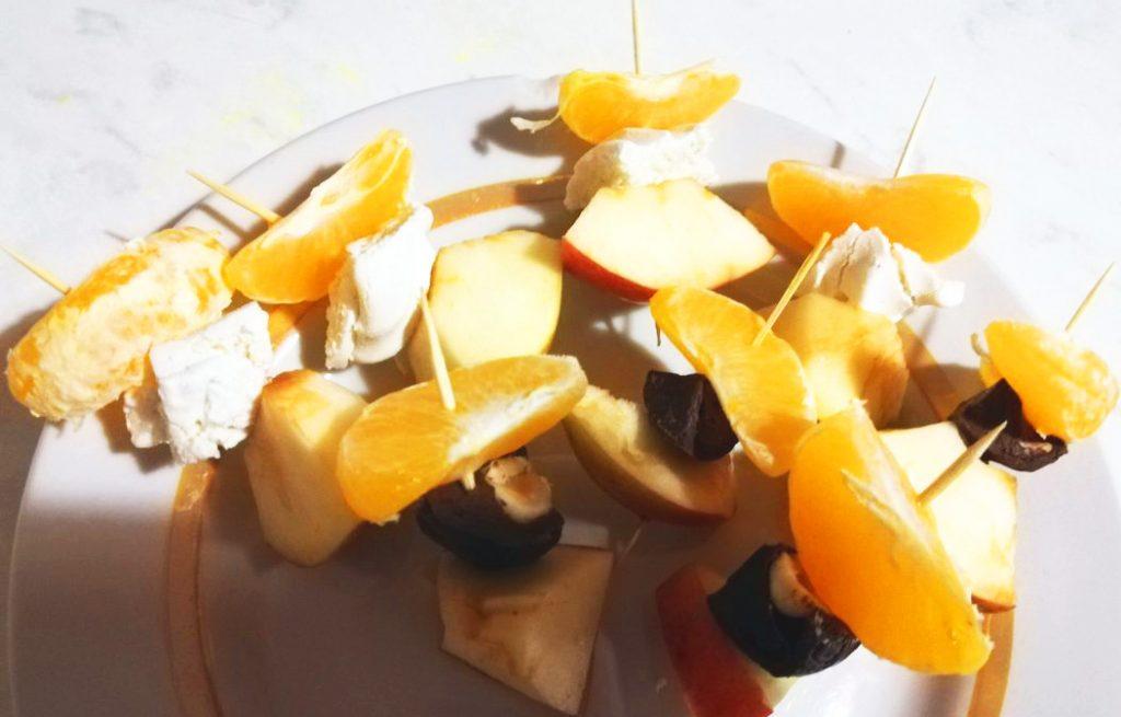 Фото рецепта - Канапе из фруктов - шаг 5