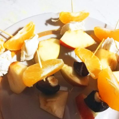 Канапе из фруктов - рецепт с фото