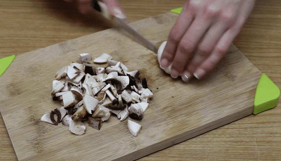 Фото рецепта - Грибные оладьи - шаг 1