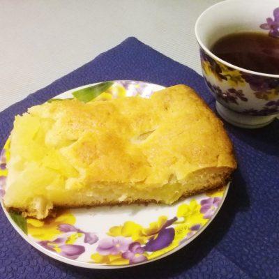 Пирог с консервированными ананасами - рецепт с фото