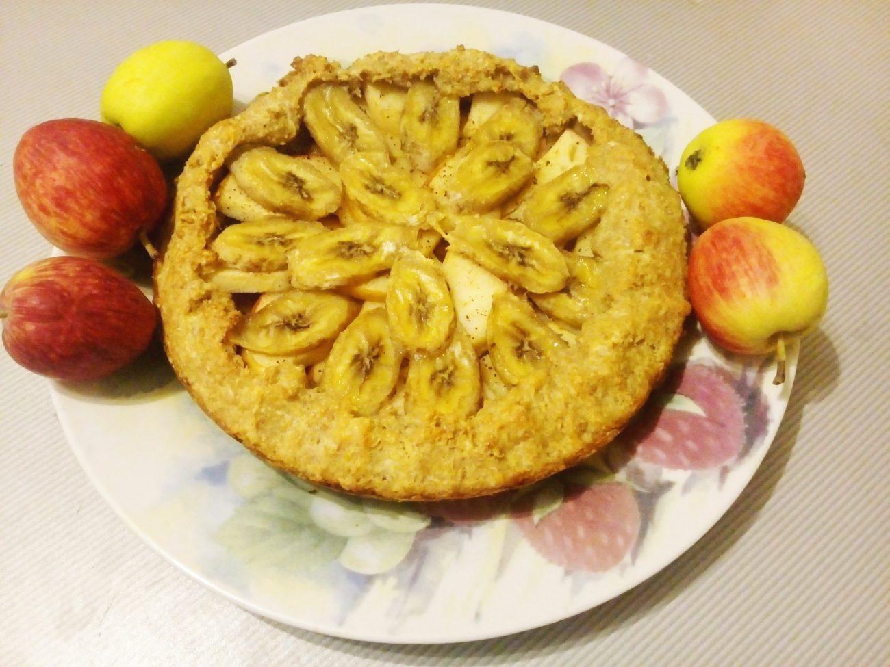 Овсяная коврижка с яблоками и бананом