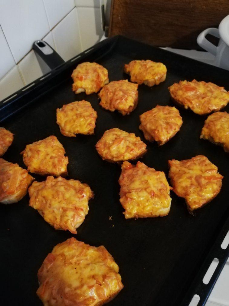 Фото рецепта - Бутерброды в духовке - шаг 9