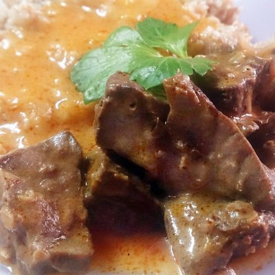 Гуляш из свиного легкого в сметано-томатной подливке - рецепт с фото