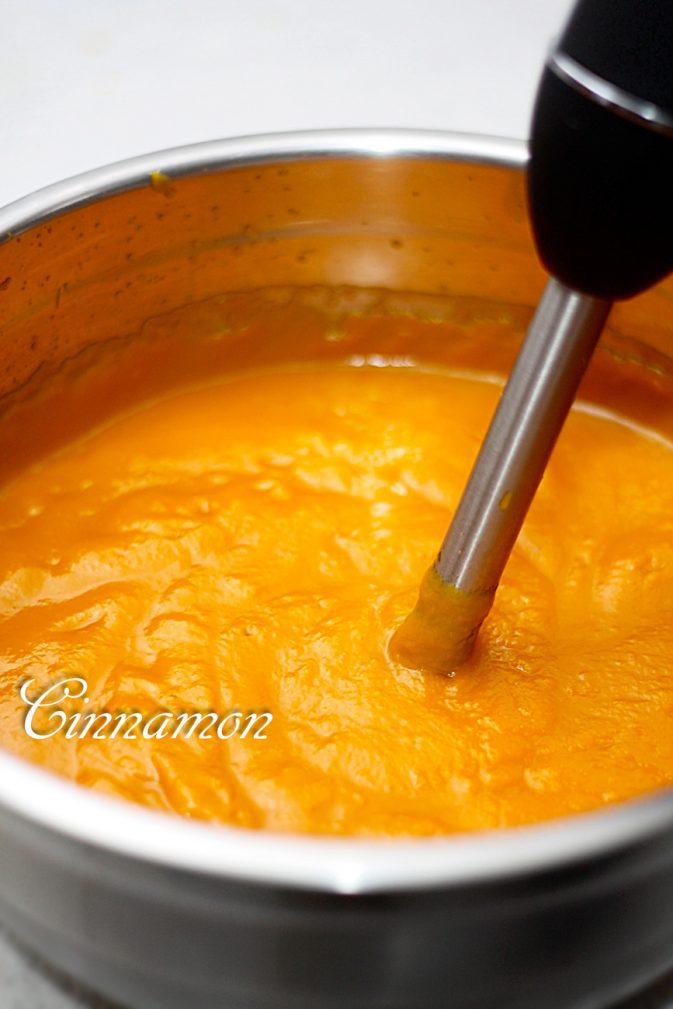Фото рецепта - Тыквенный сок с апельсином - шаг 3