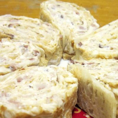 Рулет из лаваша с рыбной начинкой - рецепт с фото