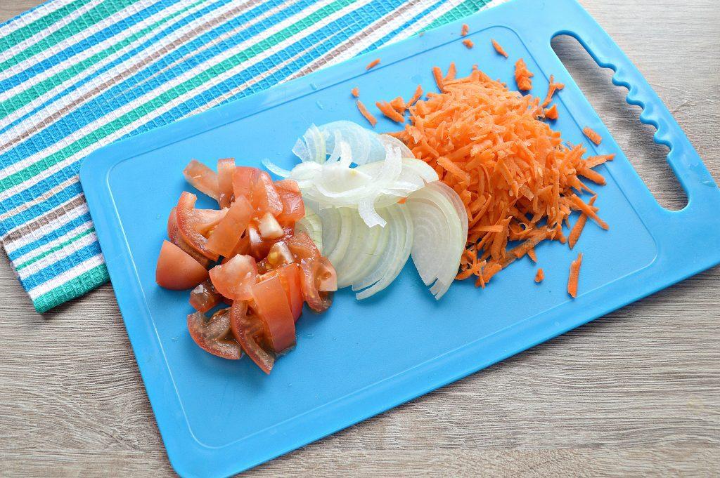Фото рецепта - Горбуша под овощным маринадом на сковороде - шаг 1