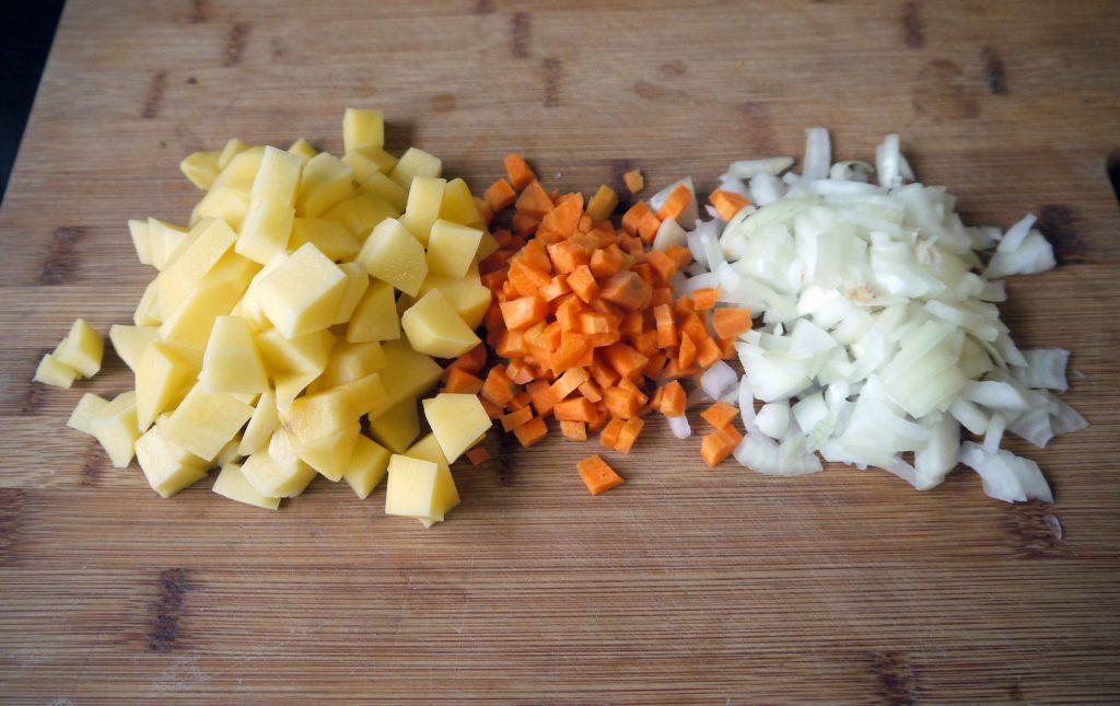 Фото рецепта - Сливочный суп с треской - шаг 2