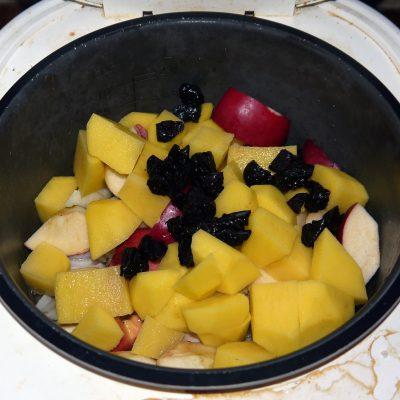 Фото рецепта - Курица с яблоками - шаг 5