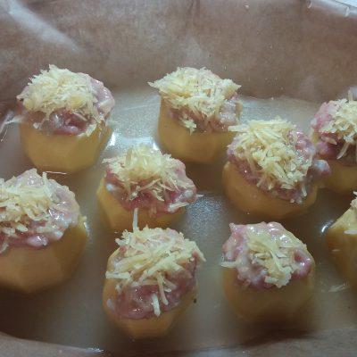 Фото рецепта - Картофель, фаршированный индейкой - шаг 5
