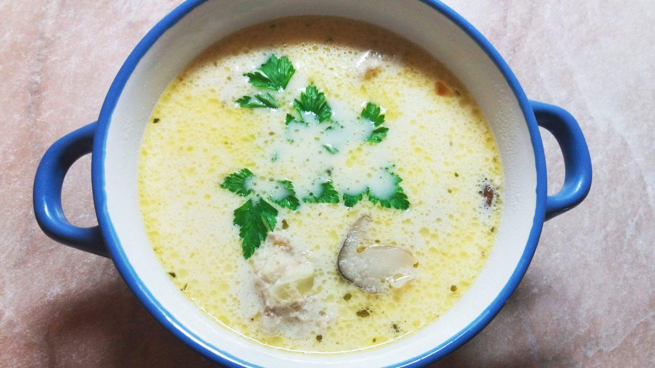 Сырный суп с фрикадельками из индейки
