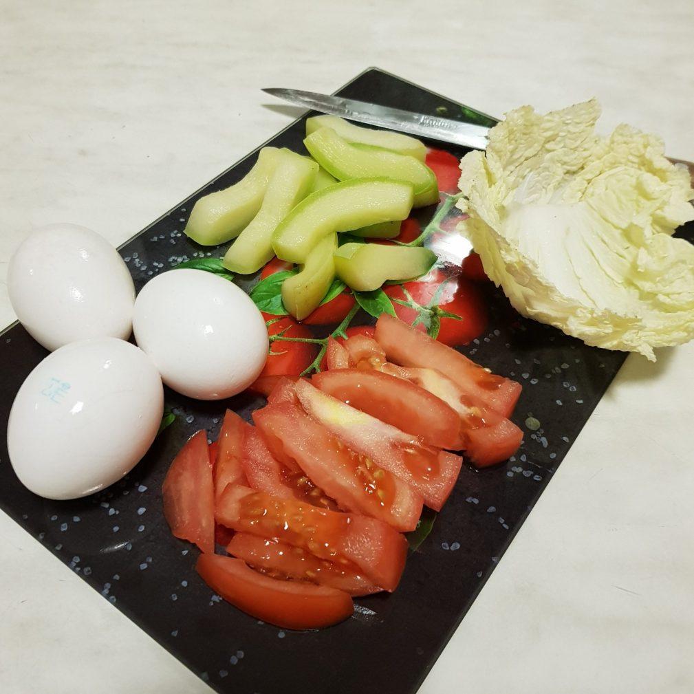Фото рецепта - Омлет-рулет с овощами - шаг 1