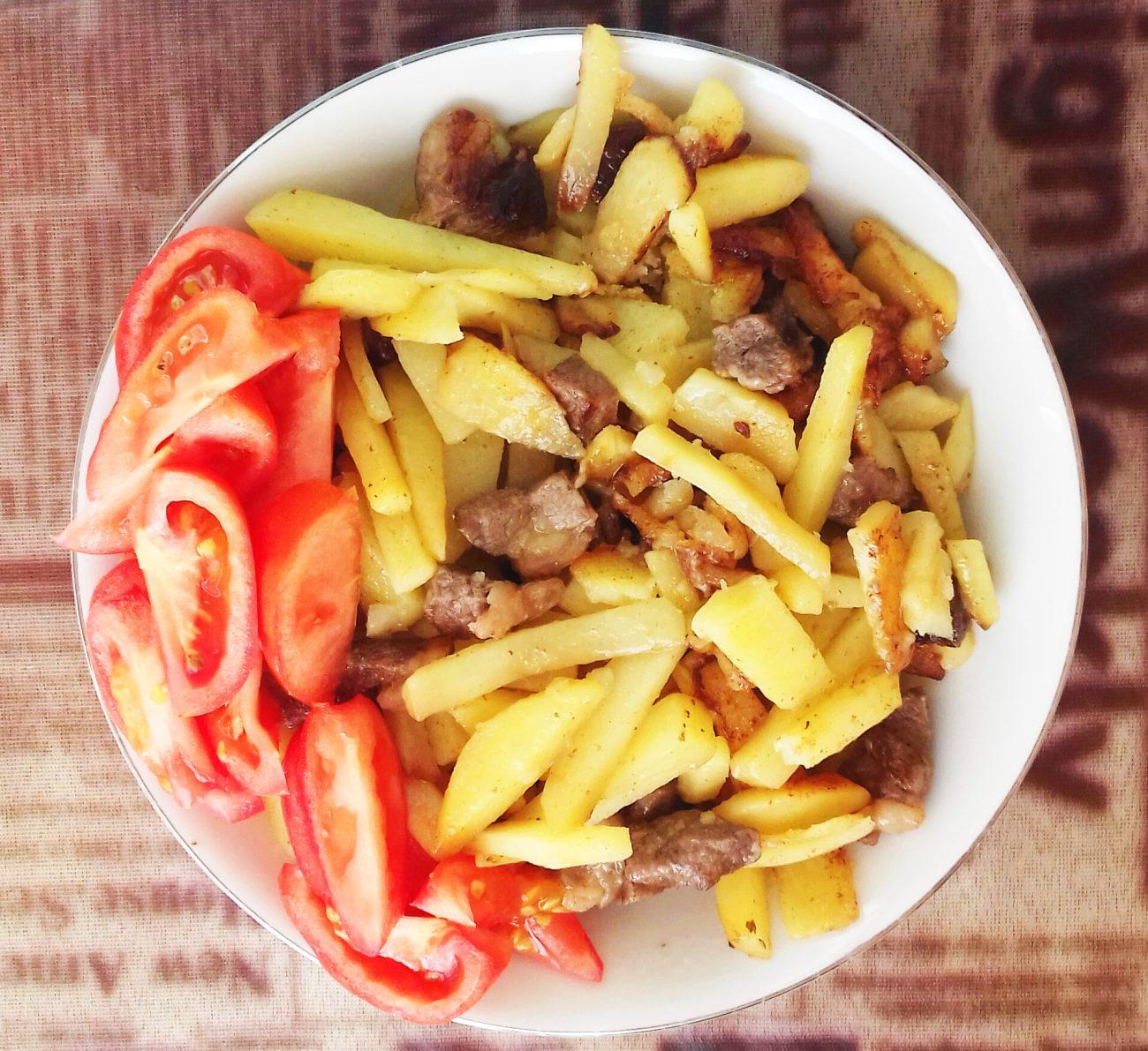 Картофель жареный с мясом