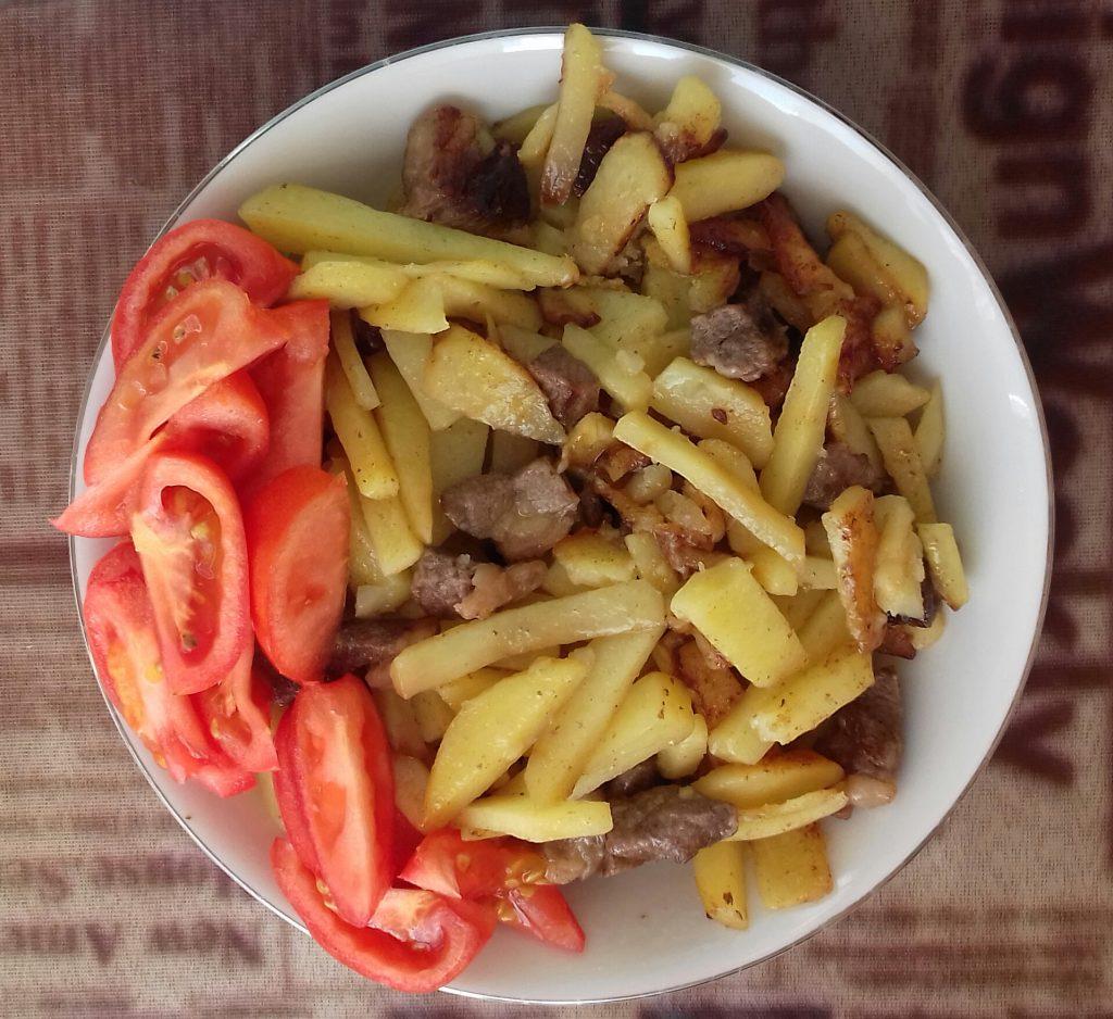 Фото рецепта - Картофель жареный с мясом - шаг 4