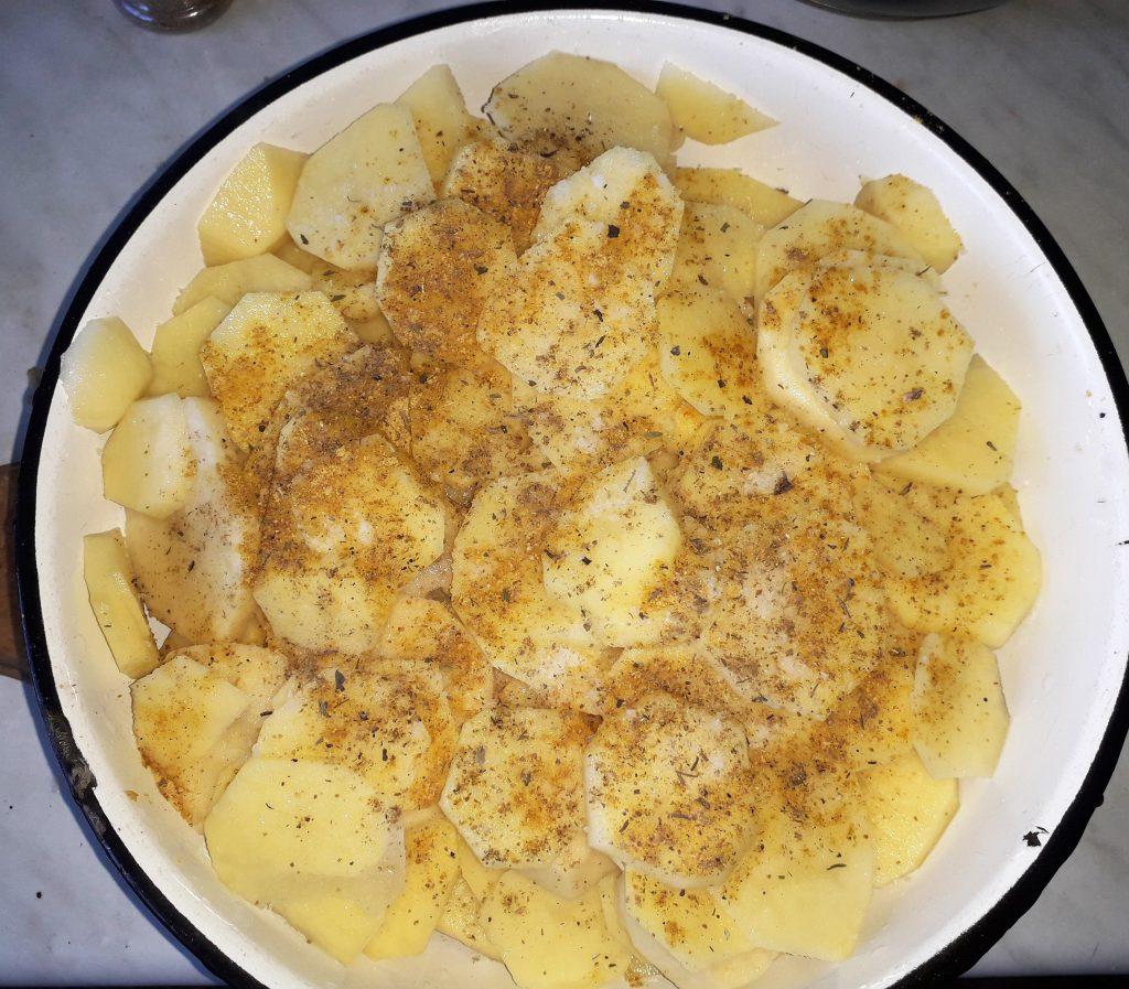 Фото рецепта - Картофельная запеканка с грибами - шаг 3