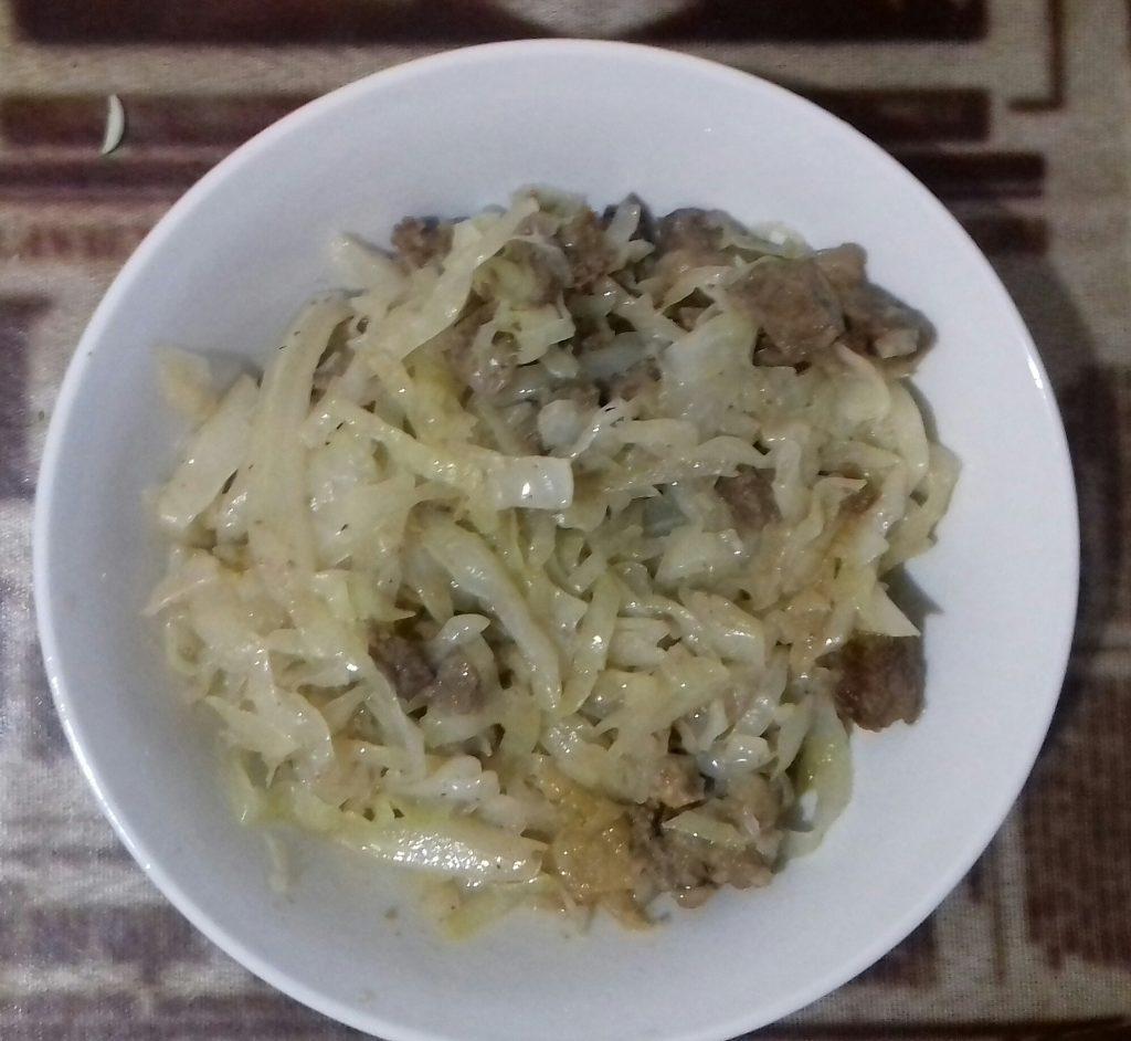 Фото рецепта - Капуста тушеная с мясом - шаг 6