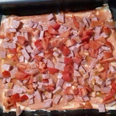 Фото рецепта - Домашняя пицца в духовке - шаг 5