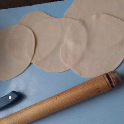 Фото рецепта - Жареные пирожки с картошкой по-казахски - шаг 2