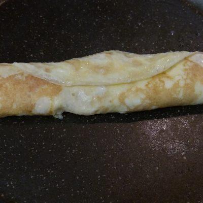 Фото рецепта - Яичный рулет с сыром - шаг 3