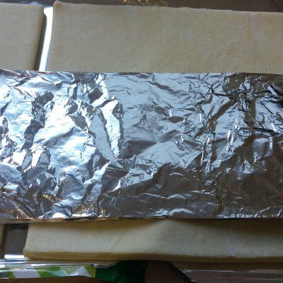 Фото рецепта - Забавная закуска – морковки из слоеного теста с грибным салатом - шаг 1