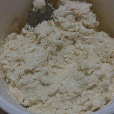 Фото рецепта - Тесто для ленивых вареников с творогом - шаг 2